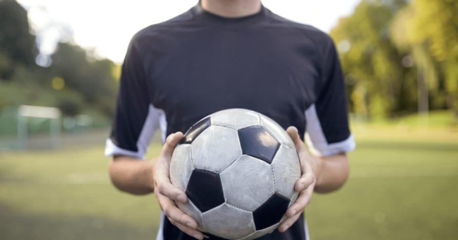 المراهنات الافتراضية على الرياضات مقابل المراهنات الرياضية العادية: أيهما أفضل؟