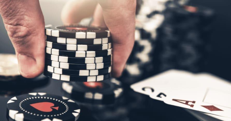 5 أكبر الاختلافات بين لعبة البوكر والبلاك جاك