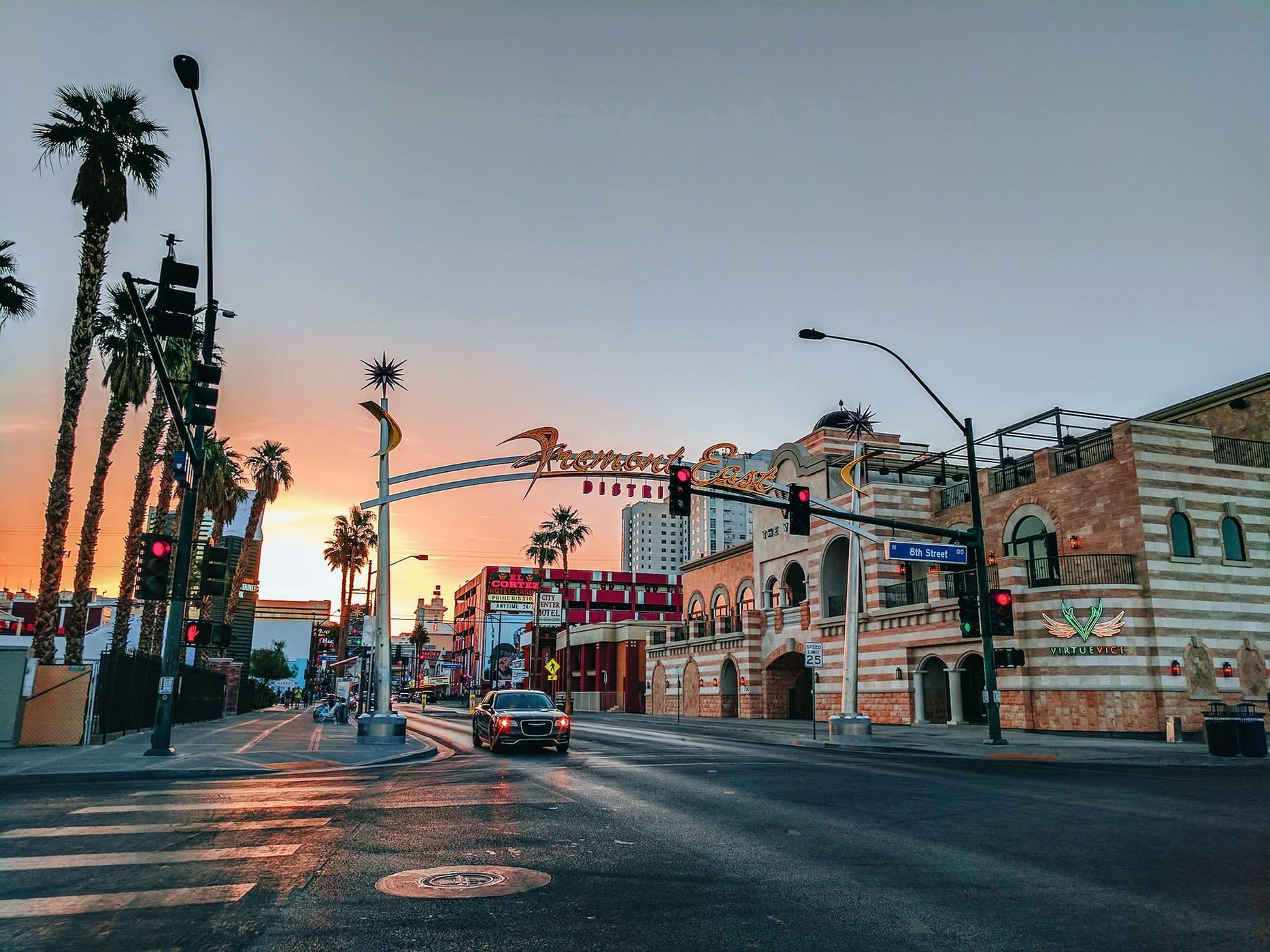يضيف Greentube ليالي Cops 'n' Robbers Vegas إلى أسلوب Las Vegas Flair
