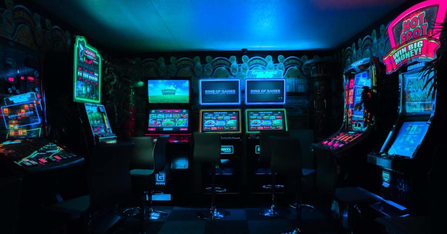 العلامة التجارية الجديدة Microgaming Jackpot Games 2021